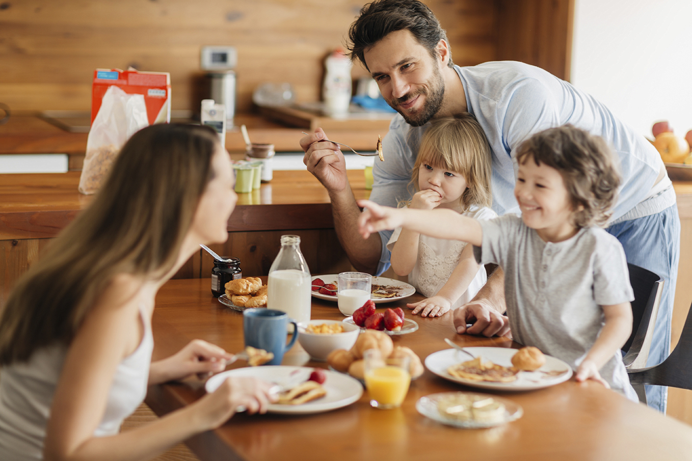 Family-Having-Breakfast_LR_RGB